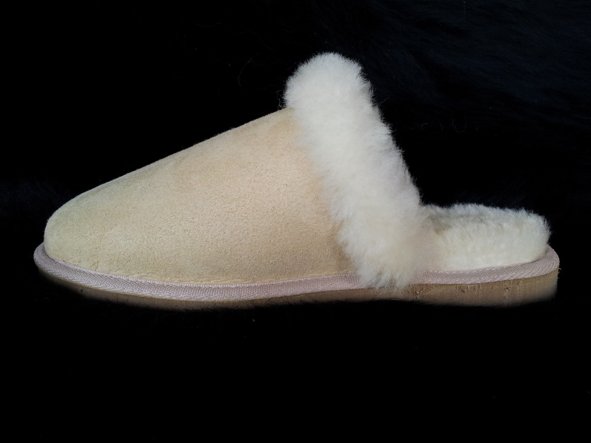 Woolsy Trading Post - Sheepskin Products - 140- 142 Shannon Ave ... 8e0d1ce20