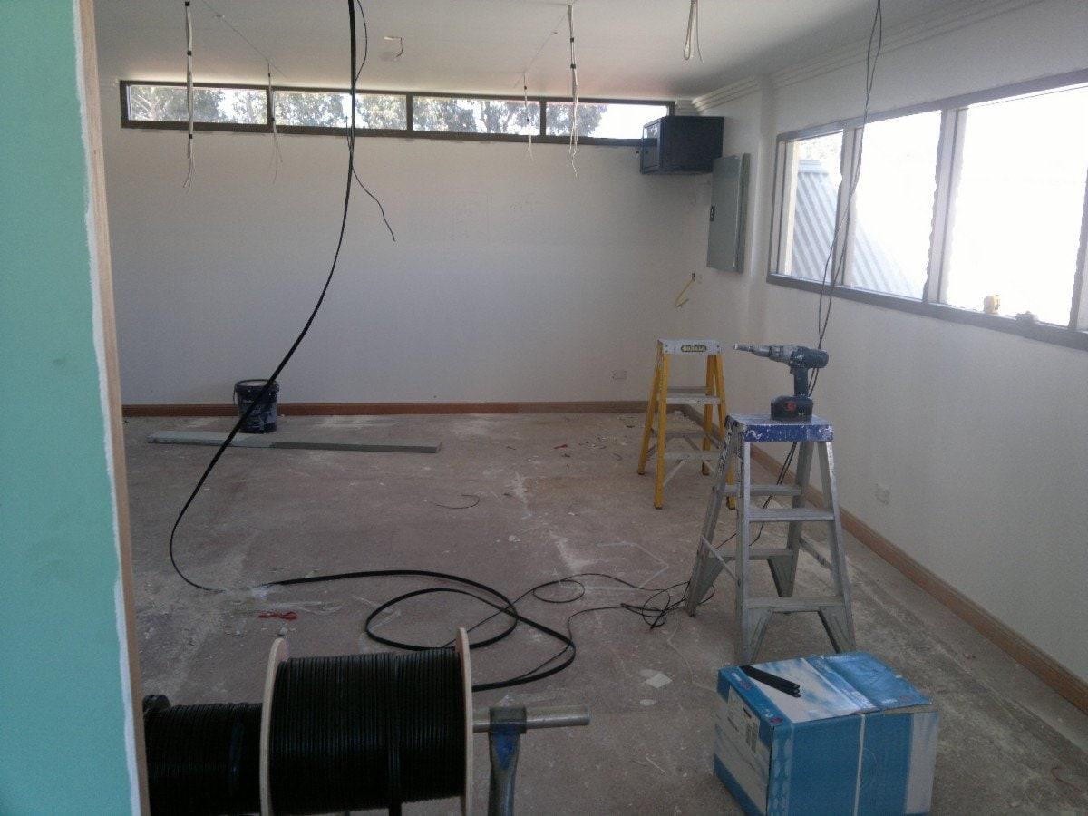Emak Electrical Electricians Amp Electrical Contractors
