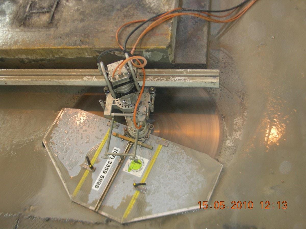 Wall Mount Concrete Saw : Pearson concrete asphalt sawing drilling