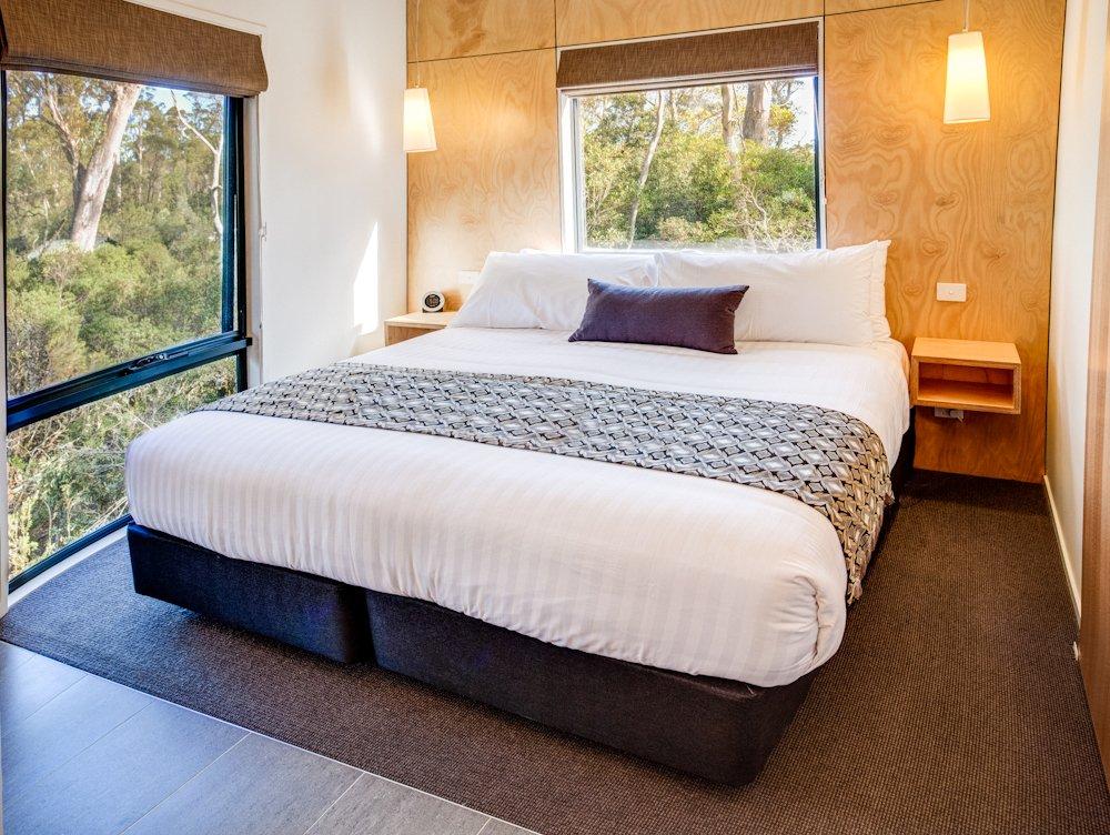 cradle mountain wilderness village hotels. Black Bedroom Furniture Sets. Home Design Ideas