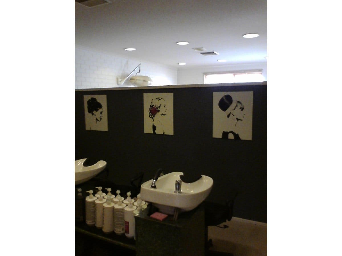 The cottage hair salon hairdressers 91 peter st for Salon cottage