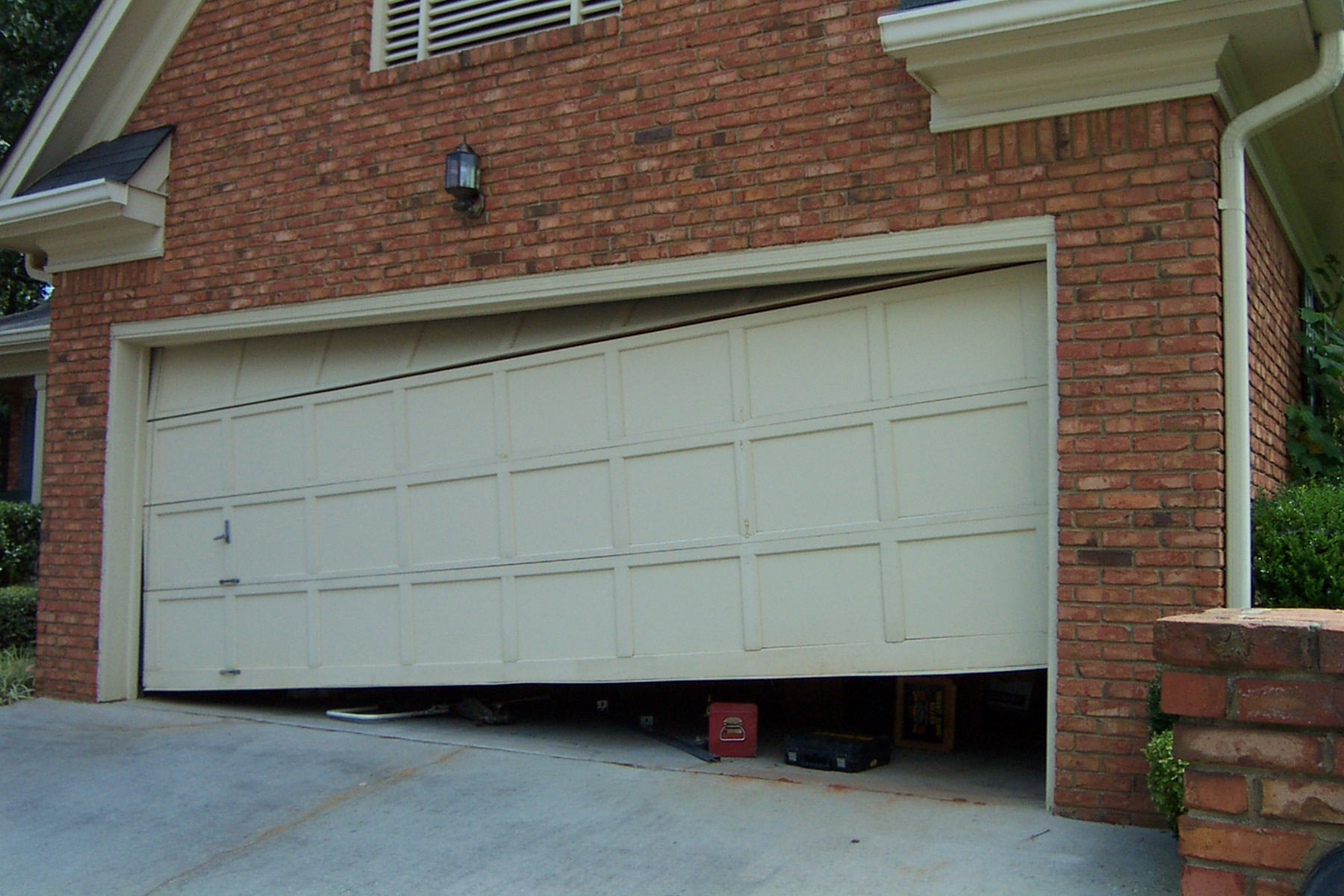Melbourne Garage Door Repairs Garage Doors Fittings Thomastown