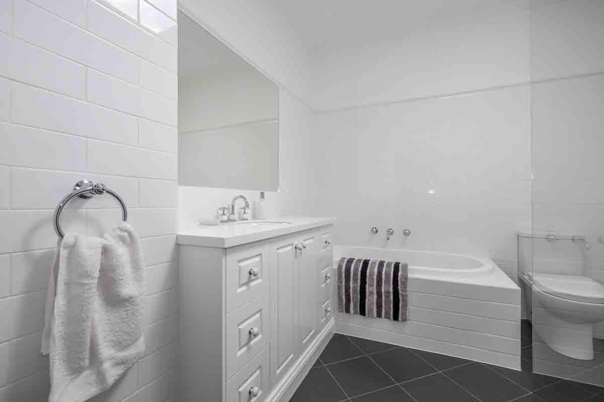 Wd bryan joinery house bathroom renovations designs for Bathroom designs hobart