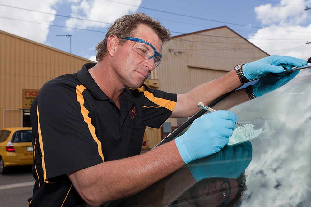 Windshield Replacement Come To You >> Novus Autoglass Repair & Replacement - Windscreens ...