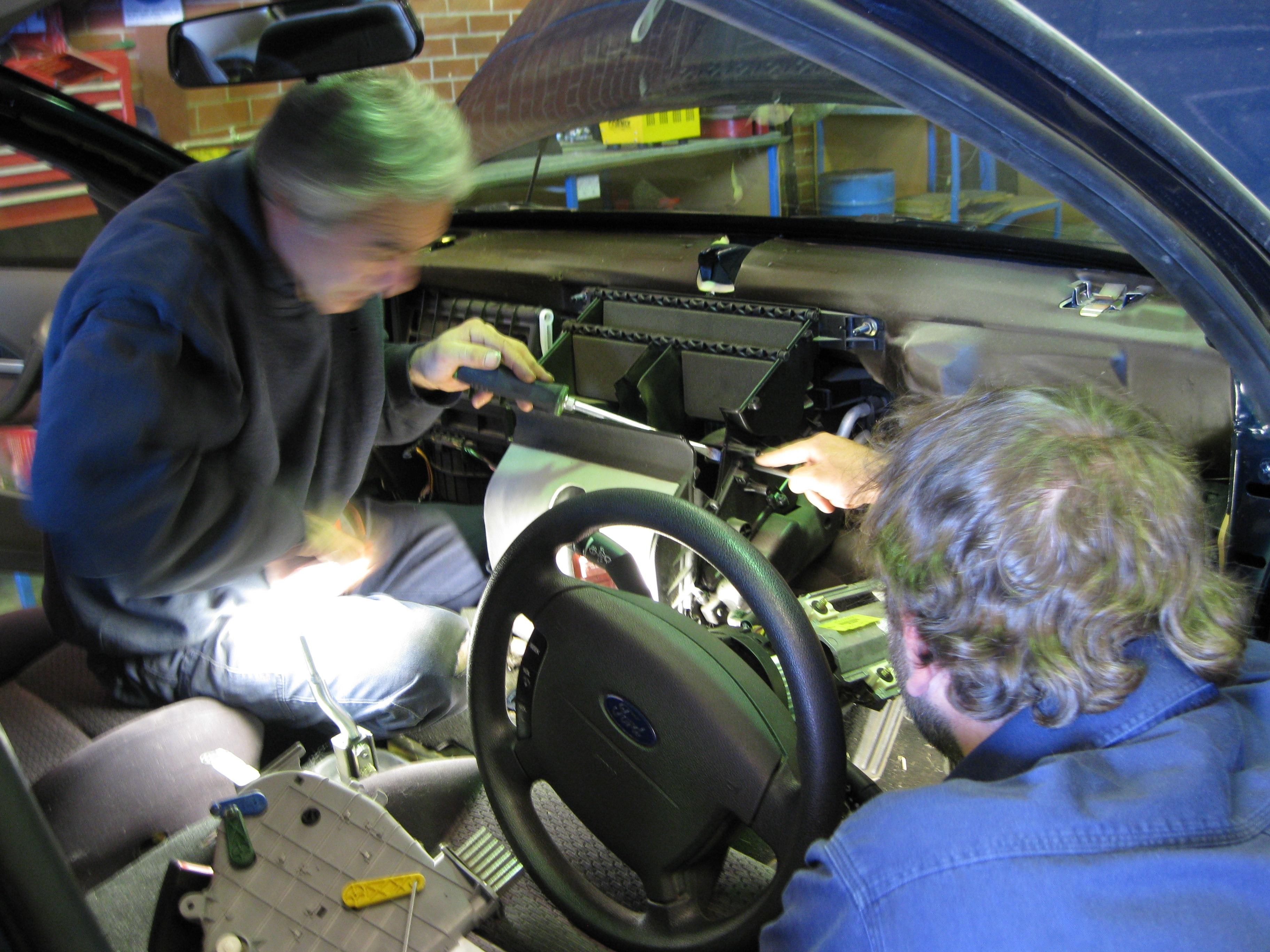 Vehikool Automotive - Car Air Conditioning - Modbury
