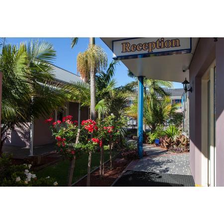 shellharbour village motel motels 28 mary st. Black Bedroom Furniture Sets. Home Design Ideas