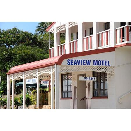Seaview motel on cooktown qld 4895 whereis for Motel one wellness