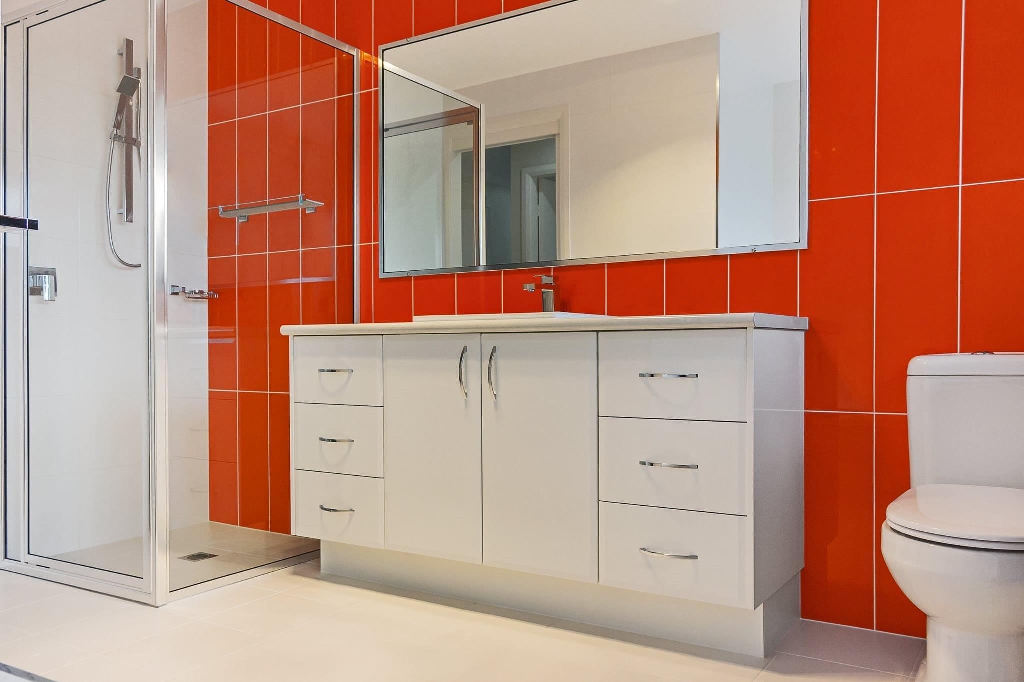 Glass Splashbacks Bathroom Walls Orange Glass Glazing Service Windscreens Windscreen Repair