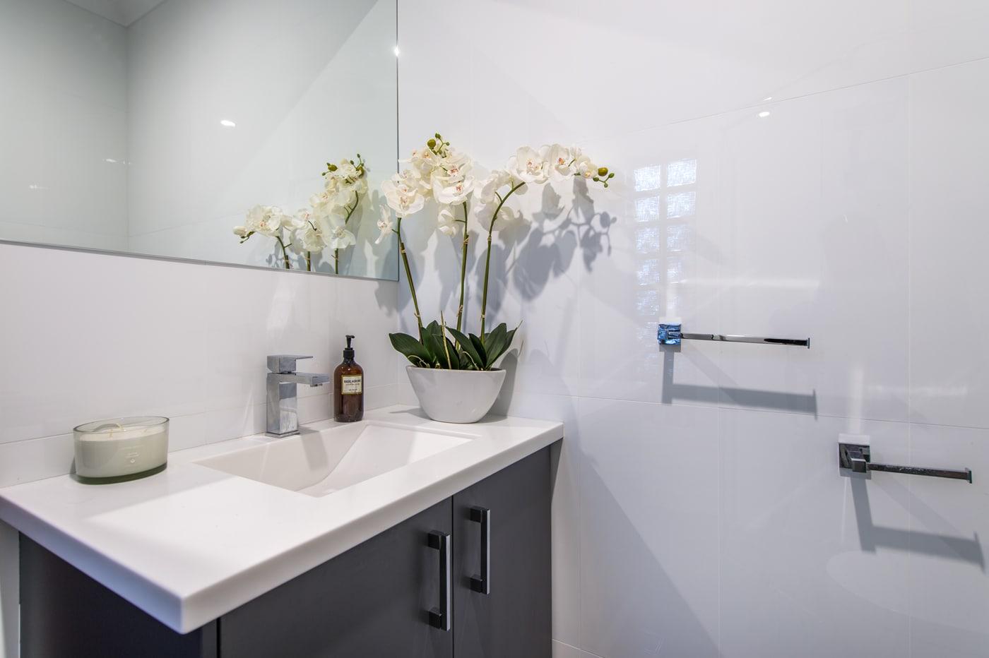 Italian Style Ceramic Tiles - Bathroom Renovations & Designs - 58 ...