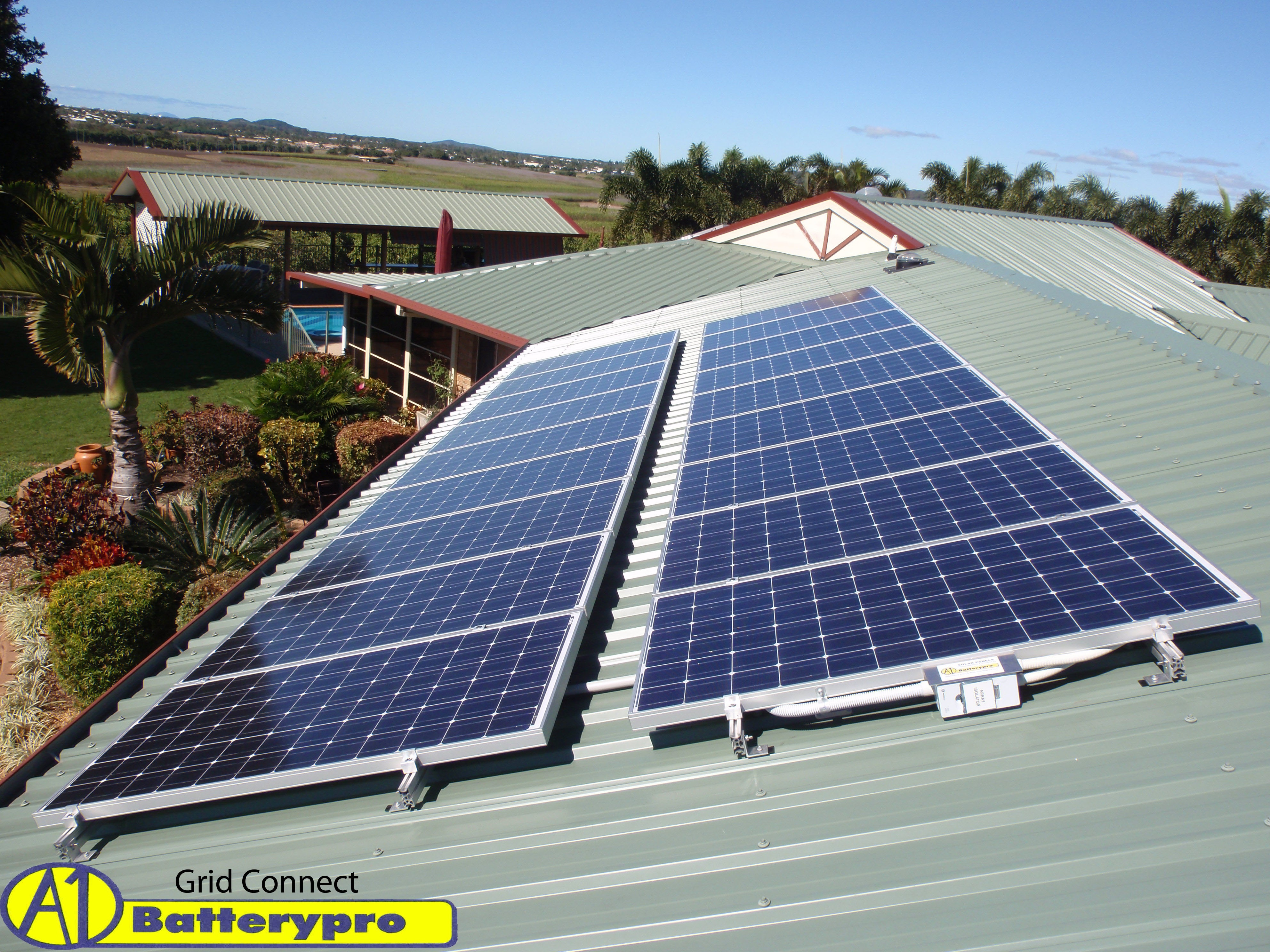 A1 Batterypro Solar Energy 7 Cemetery Rd West Mackay Panels To Batteries Via Regulator