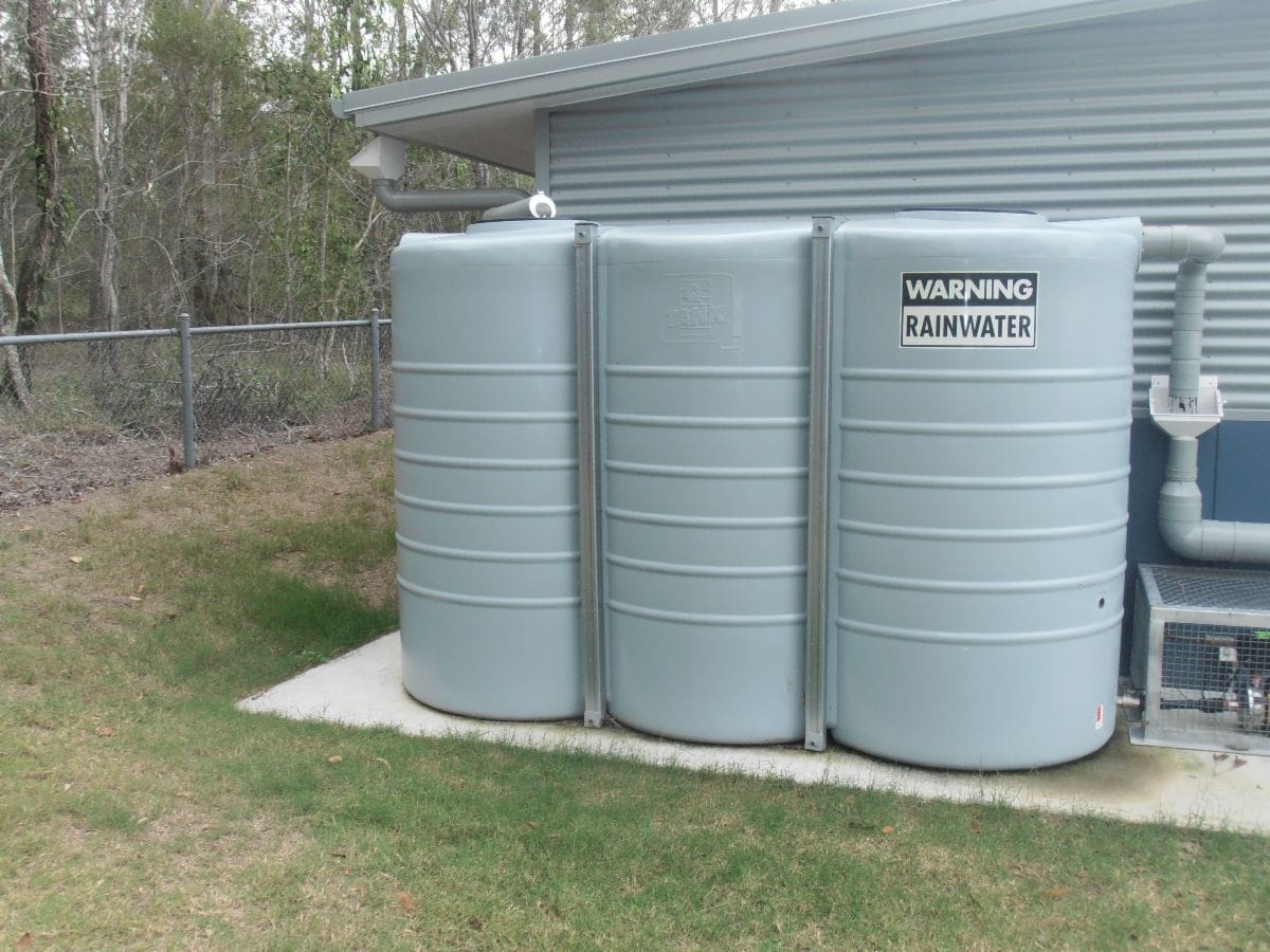 Water Tank Cleaning : Rainbow water tank cleaning carbrook