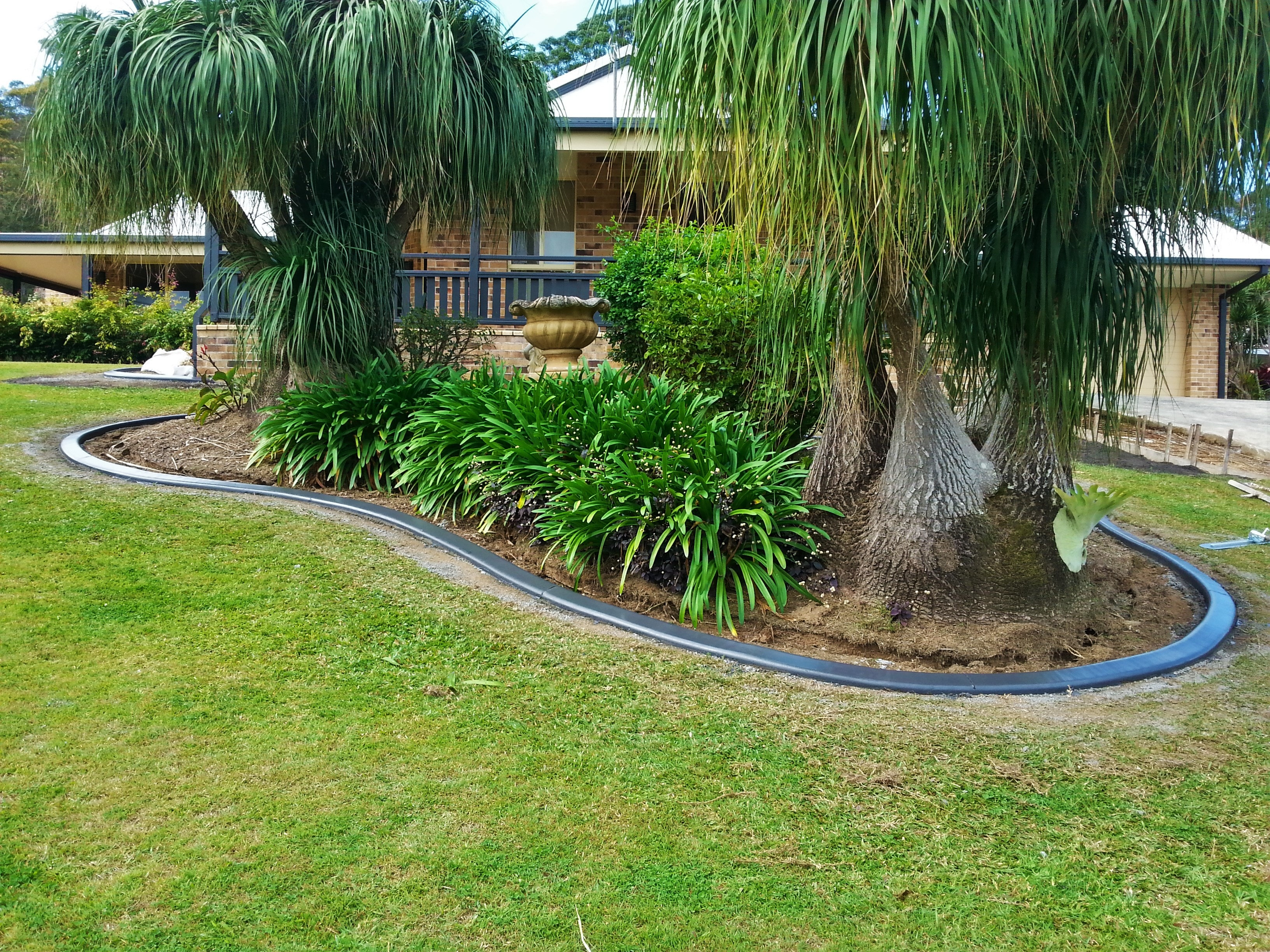 A J Concrete Garden Edging Concrete Gutters Kerbs Banora Point