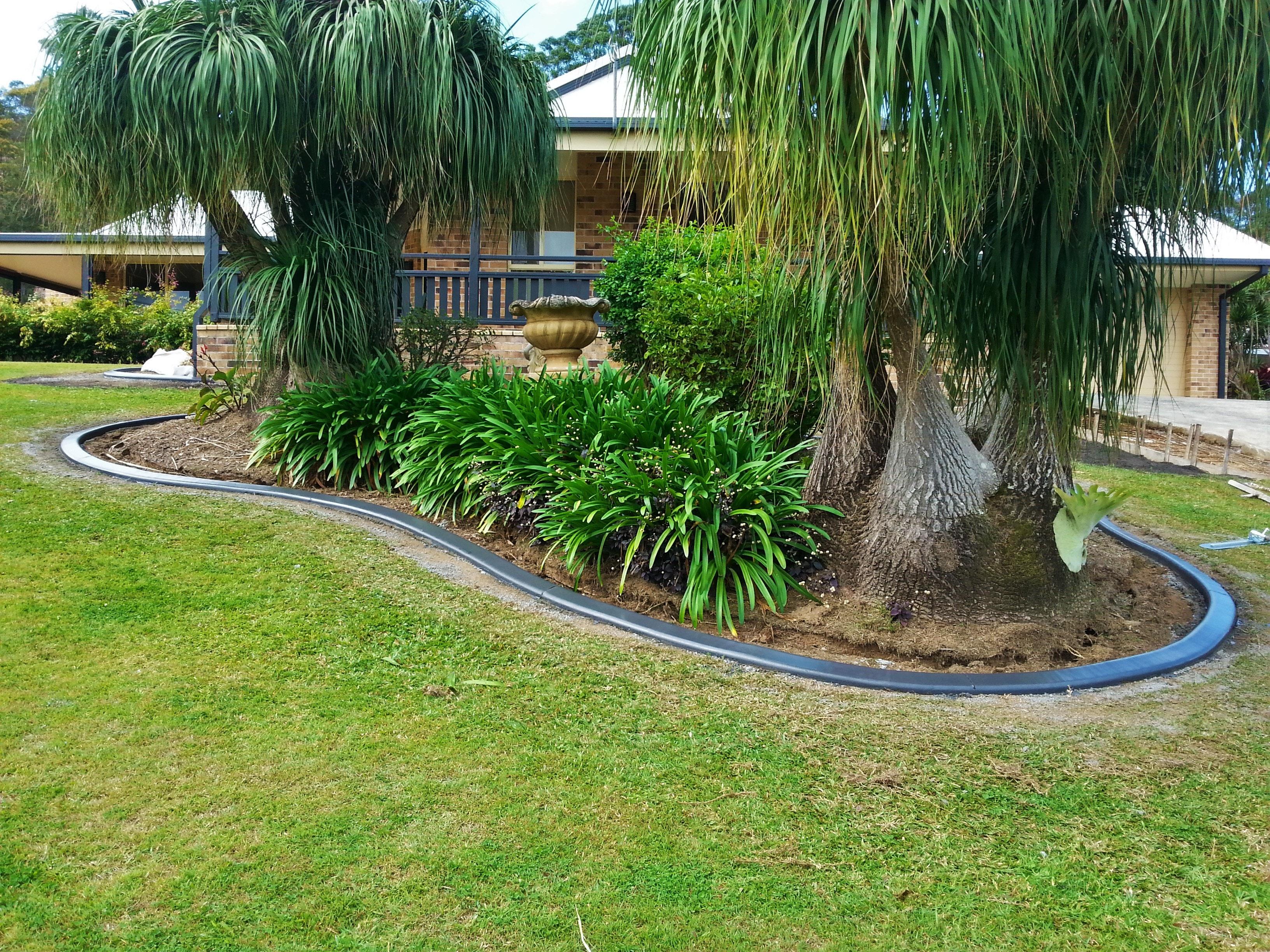 a j concrete garden edging concrete gutters kerbs banora point. Black Bedroom Furniture Sets. Home Design Ideas