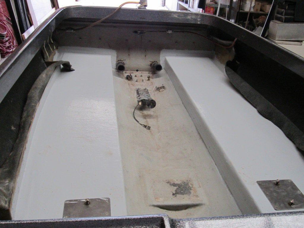 how to fix pitting on a fibreglass boat