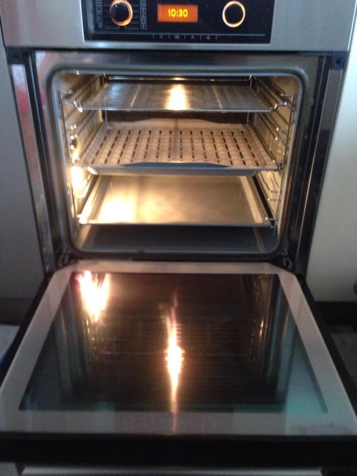 how to clean oven quick and easy
